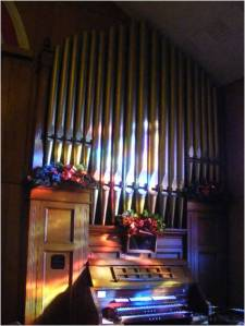 The organ at St. Peter's Lutheran Church, Hughestown, PA